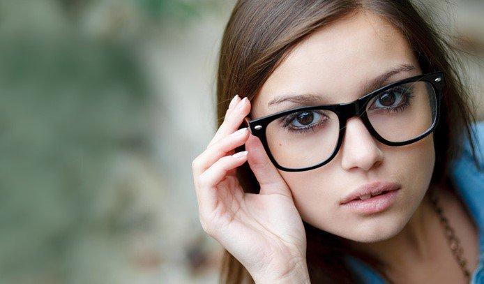 Τα γυαλιά οράσεως είναι απαραίτητα σε πολύ μεγάλο μέρος του πληθυσμού και  αν βρεις το κατάλληλο σχήμα θα προσδώσεις στον εαυτό σου στυλ και μοναδικό  ύφος. 04e8130f467
