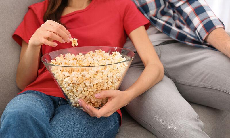 Αποτέλεσμα εικόνας για παρακολούθηση τηλεόρασης
